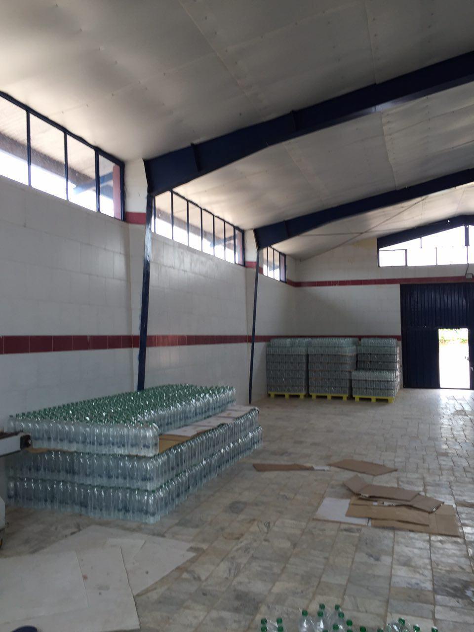 کارخانه آب آشامیدنی فروشی